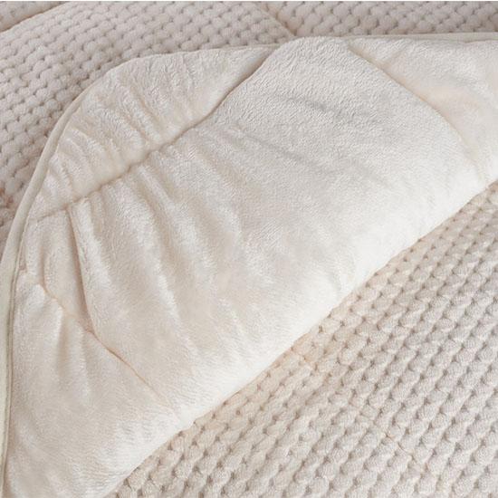 Set Bottega Home - Pilota Welsoft Quilt Cream 200x220 cm + 2 Perne 50x70 cm